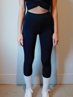 https://themantraco.com/wp-content/uploads/2021/09/shop-leggings.jpg